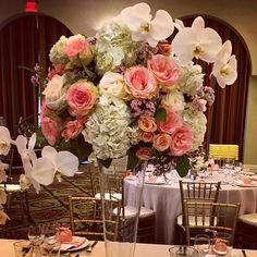 Texture makes me happy!!!#hyatthuntingtonbeach #bestbrideever #trustyourflorist #weddingflowers #novemberweddings #ocweddingsites #wedidit #amandaheer#teamfantasyfloral#oneof6weddings