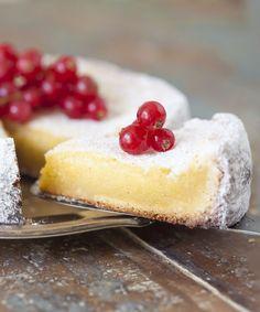 Vit kladdkaka Best Dessert Recipes, Fun Desserts, Sweet Recipes, Delicious Desserts, Cake Recipes, Yummy Food, Swedish Dishes, Swedish Recipes, Danish Recipes