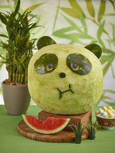 Panda Watermelon Carving Watermelon Art, Watermelon Carving, Carved Watermelon, Watermelon Centerpiece, Watermelon Basket, L'art Du Fruit, Fruit Art, Edible Crafts, Edible Food