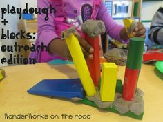WonderWorks Outreach: playdough + blocks : library makers