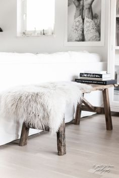 Scandinavian Living Room Designs I am not absolutely sure if you have noticed of a Scandinavian interior design. Living Pequeños, Home And Living, Living Room, Scandinavian Bedroom, Scandinavian Interior Design, Interior Design Inspiration, Home Decor Inspiration, Design Ideas, Decor Ideas