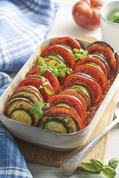Ratatouille de calabacín, berenjena y tomate Ratatouille, Food Porn, Eggplant Recipes, Greens Recipe, Health And Nutrition, Healthy Cooking, Healthy Choices, Vegan Recipes, Food And Drink