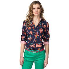 Preciosa y muy femenina, esta camisa de algodón de ajuste normal destaca por su estampado floral multicolor. Cuello de camisa con tira de botones. Modelo ligeramente entallado con dobladillo redondeado.Nuestra modelo mide 1,76 m y lleva una talla S de blusa Tommy Hilfiger.