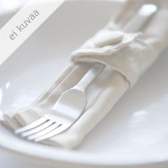 Keliaakikon porkkanarieskat Sandwich Cake, Quotes And Notes, Aioli, Pesto, Salad Recipes, Latte, Garam Masala, Lorem Ipsum, Canning