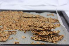 Glutenfrie frøknekkebrød med havre og havsalt