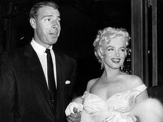 Marilyn Monroe's Lost Love Letters to Be Auctioned http://www.people.com/article/marilyn-monroe-joe-dimaggio-arthur-miller-letters-auction