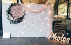 Still Trending – Indian Wedding Photo Booth Ideas that are Fresh & Fab, for Super Fun Wedding Photos ✨ – Witty Vows - Modern Diy Wedding Backdrop, Diy Backdrop, Diy Wedding Decorations, Wedding Centerpieces, Photo Booth Backdrop, Photo Booths, Decor Wedding, White Backdrop, Birthday Decorations