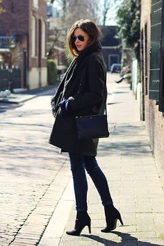 Topshop Oversized Blazer, Céline Large Trio Bag, Zara Jeans - Early Spring - Christine R.