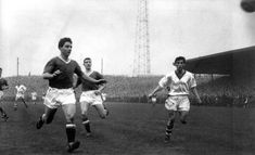 Workington 1 Man Utd 3 in Jan 1958 at Borough Park. Duncan Edwards and Bill Foulkes back track in the FA Cup Round. Duncan Edwards, Man Utd Crest, Fa Cup, Manchester United, The Unit, Park, Concert, Times, Man United