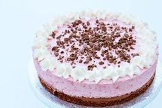 Browniekage med hindbær mousse (Recipe in Danish)