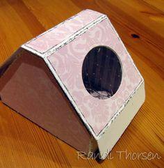 Jeg har laget en tutorial på høy gave-boks. Alle produktene på denne boksen kommer fra Inkido .  Jeg starter med å skjære ut et rektangel på...