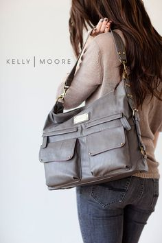 My friend @Sylvie | Gourmande in the Kitchen is giving away a Kelly Moore camera bag / purse. Love her 2 Sues style!