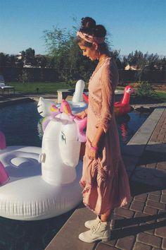 Unicorn pool floats made the best photo buddies