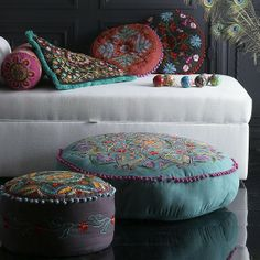 boho home deco : embroidered cushions, ottoman Bohemian Interior, Bohemian Decor, Bohemian Style, Boho Chic, Boho Gypsy, Gypsy Chic, Hippie Chic Decor, Bohemian Homes, Bohemian Furniture