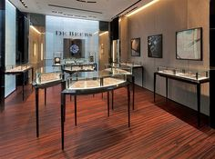 De Beers Opens First Shanghai Store