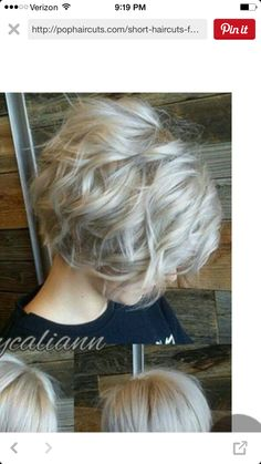 Wavy hairstyles in trend now with short cuts, and some basic products, you'll have a beautiful style. Wavy bob hairstyles have most attractive look. Silver Grey Hair, Silver Ash, Corte Y Color, Short Hair Cuts For Women, Pretty Hairstyles, Wedding Hairstyles, Wavy Bob Hairstyles, Hairstyle Ideas, Great Hair