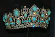 Josephine Bonaparte's tiara ~ perhaps the prettiest one I've ever seen, my favorite (I love all that turquoise set with the diamonds, etc. Royal Crowns, Royal Tiaras, Tiaras And Crowns, Royal Crown Jewels, Royal Jewelry, Fine Jewelry, Corona Real, Antique Jewelry, Vintage Jewelry