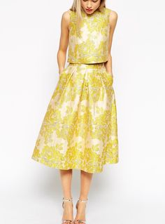 Best Wedding Outfits wedding guest outfit- asos golden jacquard skirt co-ord dpvapro - Jewelry Amor Dress Outfits, Fall Outfits, Fashion Outfits, Vogue, Jaquard Dress, Popular Wedding Dresses, Wedding Outfits, Trendy Wedding, Skirt Co Ord