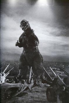 citystompers:  Behind the scenes on Godzilla (1954), via Black Sun