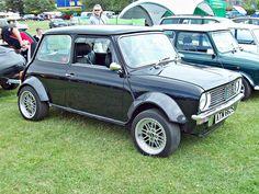 Mini Clubman, Classic Mini, Kids Playing, Vintage Cars, Motors, Minis, Dream Cars, Badass, Wheels