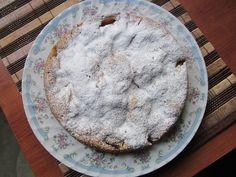 Яблочный пирог постный  Что нужно: мука - 150г. сода - 1 ч.л. сахарный песок - 100г. ваниль, корица вода - 150 мл. масло растительное - 50 мл. яблоки - 2-3 ш
