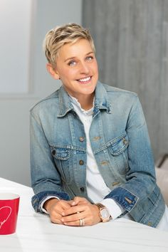 Ellen DeGeneres' 9 Secrets for Living a Happier Life goodhousemag Ellen Degeneres Haircut, Ellen Degeneres And Portia, Ellen And Portia, Pretty People, Beautiful People, Celebs, Celebrities, Powerful Women, Strong Women