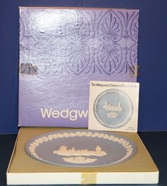 Wedgwood Jasperware The Houses of Parliment 1974 w/ Box Blue Christmas Plate 8""
