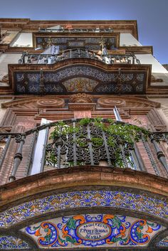 Camino de luz, Sevilla. Sevillian balcony. Balcón sevillano. I AM IN LOVE with this.