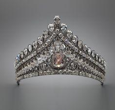Диадема-кокошник, принадлежавшая императрице Марии Федоровне, супруге императора Павла. Первая треть XIX века