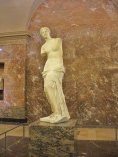 Vénus de Milo - Musée du Louvre...attributed to Alexandros of Antioch