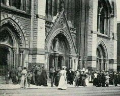 Church in Thomas Street in the old days Ireland Pictures, Images Of Ireland, Old Pictures, Old Photos, Dublin Street, Dublin City, Irish Independence, Ivy Rose, Photo Engraving