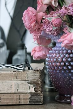 fenton, old books and a french touch.