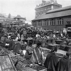 Women shelling walnuts, Covent Garden market 1890