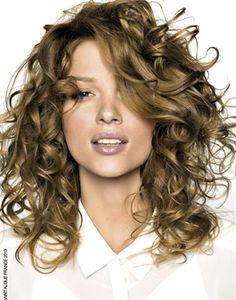 taglio capelli medi mossi - Google Search