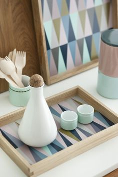 ferm living… I like the simplicity and color but with the pattern so much fun! Ferm Living … Ich mag die Einfachheit und Farbe, aber mit dem Muster so viel Spaß! Deco Pastel, Pastel Style, Pastel Decor, Deco Design, Home And Deco, Scandinavian Interior, Scandinavian Living, Danish Design, Decoration