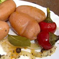 Hot Dogs, Sausage, Meat, Ethnic Recipes, Food, Sausages, Essen, Meals, Yemek