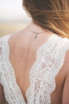 Baby Got Back! Beautiful Back Necklaces: Bridal Accessories see more at http://www.wantthatwedding.co.uk/2015/07/07/baby-got-back-beautiful-backdrop-necklaces-bridal-accessories/