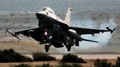 Israel bombardea Gaza en respuesta a un cohete lanzado contra su territorio
