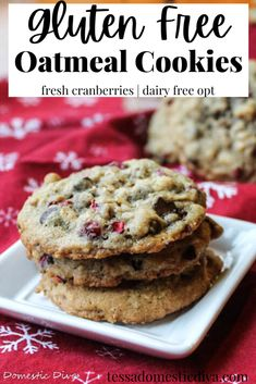 Gluten Free Oatmeal Chocolate Chip Cookies #glutenfreeoatmealcookies #Glutenfreecookies