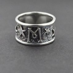 Morgenstern ring Jace wears in City of Bones Malec, Mortal Instruments Jewelry, Sebastian Morgenstern, Jace Lightwood, Fandom Jewelry, Fandom Rings, Clockwork Angel, Cassandra Clare Books, Clary Fray