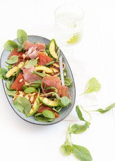 Salade met gegrilde watermeloen en halloumi
