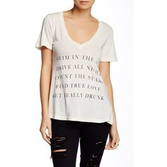 WILDFOX Runaway Hippie V-Neck Tee (46 CAD) ❤ liked on Polyvore featuring tops, t-shirts, dirty white, short sleeve tee, v neck t shirts, white t shirt, v neck tee und white short sleeve t shirt
