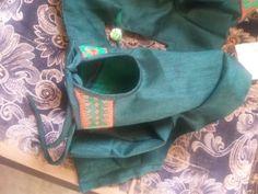 Blouse Neck, Toms, Sneakers, Fashion, Tennis, Moda, Slippers, Fashion Styles, Sneaker