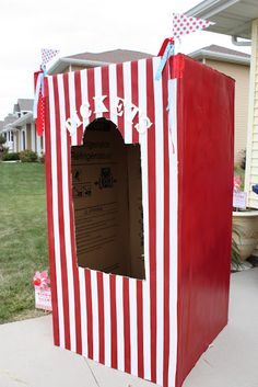 Carnival Refrigerator Box Ticket Booth - From Buckets of Grace, learn how to create your vey own ticket booth! DIY Tip If you don't have a large enough box lying around, contact your local appliance stores and ask for an empty refrigerator box that can Creepy Carnival, Circus Carnival Party, Diy Carnival, Circus Theme Party, School Carnival, Carnival Wedding, Carnival Birthday Parties, Circus Birthday, Vintage Carnival