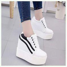 Fun Facts About Shoes And Footwear Heeled Boots, Shoe Boots, Shoes Heels, Fancy Shoes, Me Too Shoes, Fashion Boots, Sneakers Fashion, Mode Kawaii, Kawaii Shoes