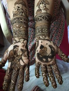 Mehendi Designs - Beautiful Modern Intricate Mehendi Hand Design with Bride and Groom Caricatures | WedMeGood #mehendidesign #mehandi #henna #indianbride #indianhenna #bride #bridal