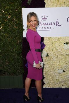 Julie Benz booty in a curve hugging dress