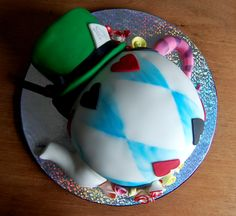 Alice in Wonderland Teapot Cake with Mad Hatter's Hat