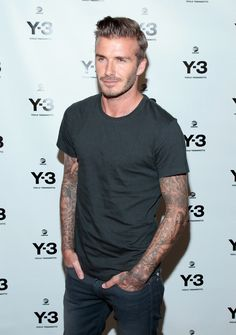 David Beckham Photos - Professional Soccer Player David Beckham attends the Anniversary Collection at St. Moda David Beckham, David Beckham Photos, David Beckham Style, Beautiful Men, Beautiful People, Pretty People, Hottest Male Celebrities, Celebs, Rocker Style