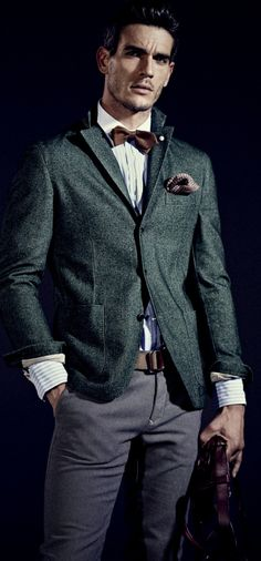 Truffol.com | Dark green blazer. #somethingdifferent #classic #style #moderngentleman